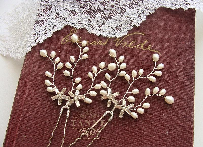 Hochzeit - Pearl Bridal Hair Piece, Wedding Hair Pins, Pearl Hair Vines, Wedding Hair Accessories, Ivory Pearl Hair Pin, Woodland Hair, Crystal Pins