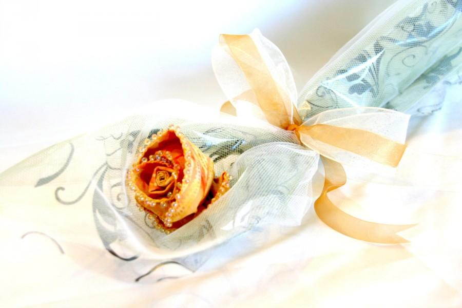 Свадьба - Everlasting Sculpted Fabric Rose Stem in Creamy Yellow for Bridal Bouquet, Mother's Day