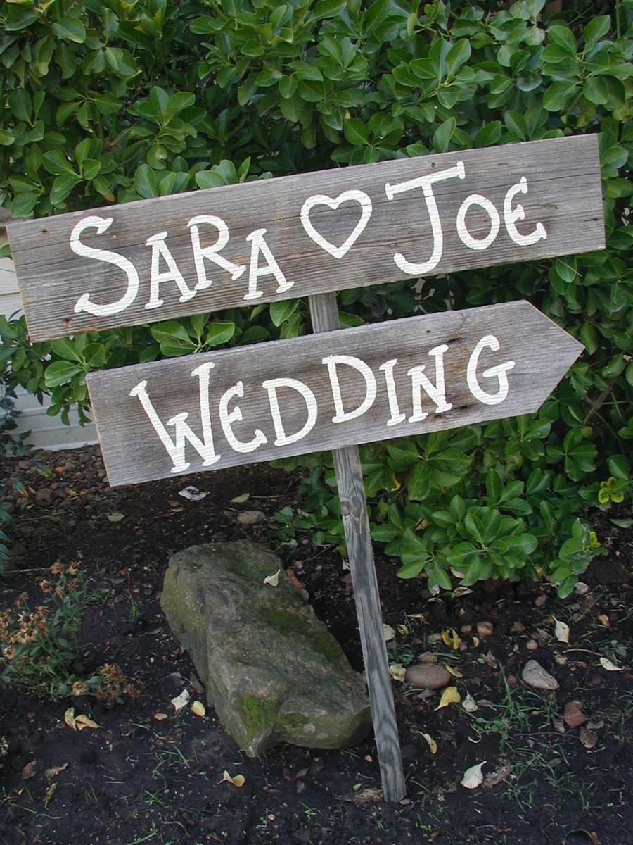 Hochzeit - Personalized Wedding Sign on Stake Barn Wood Western Rustic Bridal Custom Name