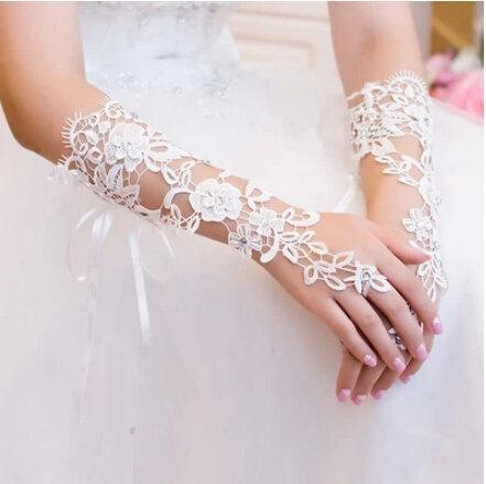 Свадьба - wedding gloves fingerless gloves lace flower gloves white bridal gloves in handmade