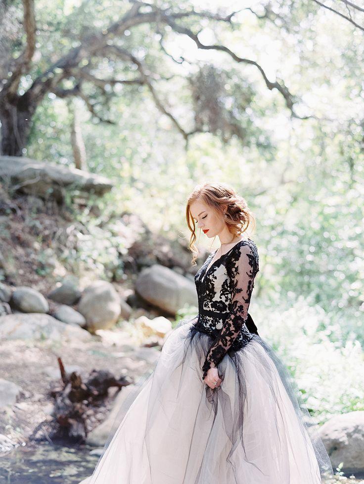 Свадьба - Edgy Black Lace Wedding Inspiration