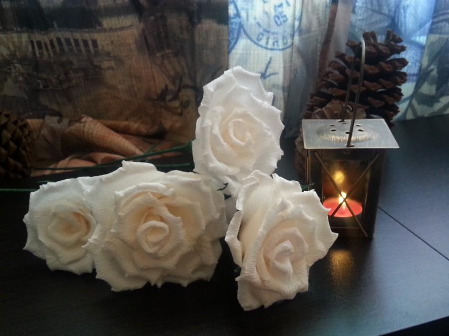 Hochzeit - 12 pcs White Paper Roses, Dozen White Crepe Roses, Table arrangement, Gift for her, party decor, paper flowers