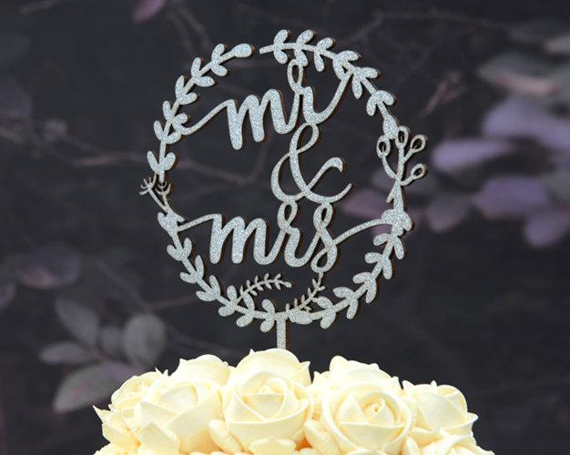 Mariage - Rustic Linden Wood Wedding Cake Topper, Mr and Mrs Cake Topper Design 108