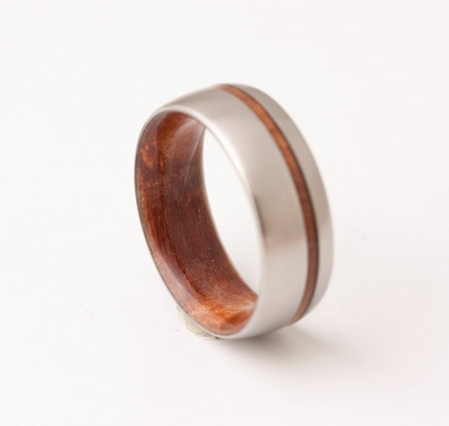 Hochzeit - Titanium and Red Wood // Mens Wood Rings //wood Wedding Band //Men's wedding Band //metal wood jewelry