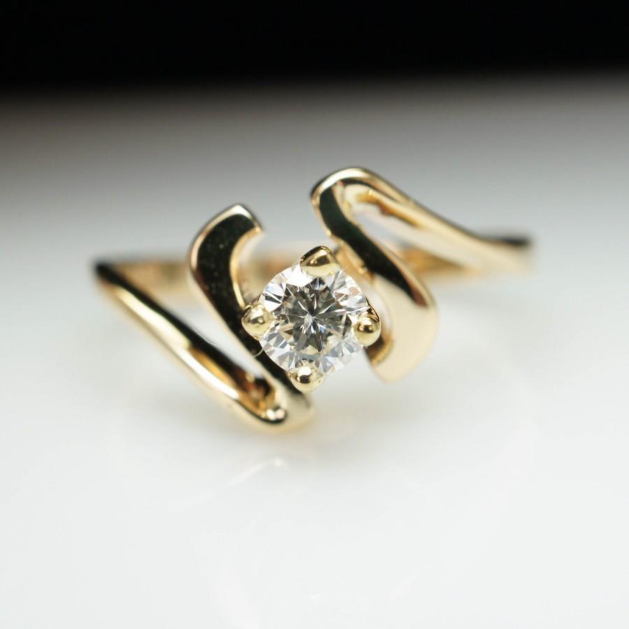 زفاف - SALE - Vintage .26ct Diamond Solitaire 18k Yellow Gold Engagement Ring - Size 6.5