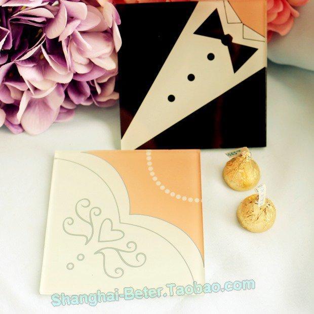 Wedding - Bride and Groom glass coaster Wedding Favors Souvenirs