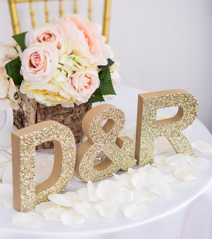 Hochzeit - Initial Signs Letters Freestanding Wedding Initial Signs - Personalized Table Signs - Initials 2 Letters and Ampersand (Item - INI400)