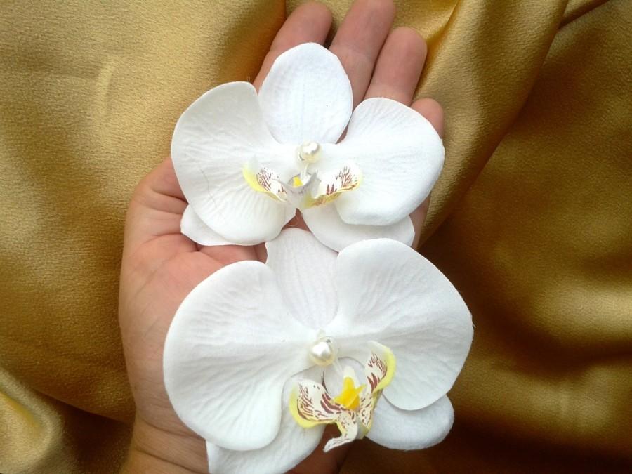 Свадьба - ORCHID HAIR FLOWER-Tropical Hair Clip, Bridal Hair Clip, Fascinator, Freshwater Pearl Center, Flower Headpiece, Wedding Hair Flowers, Hawaii