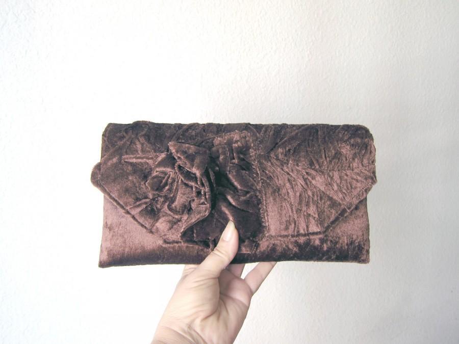 Свадьба - Chocolate Brown Bridal Clutch Love.. Choice your Color Unique Retro Clutch Handbag with Rose   Original design
