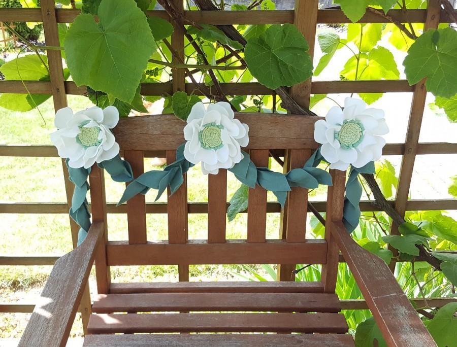 Свадьба - Felt floral vine - greenery garland, floral garland, white peony sage leaves, textile flowers, peony wedding decor, white peony flower