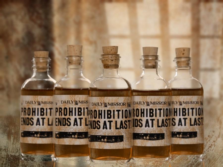 Wedding - 10 Prohibition Cork Glass Bottles for Wedding Favors Empty Bottles 1920s Speakeasy