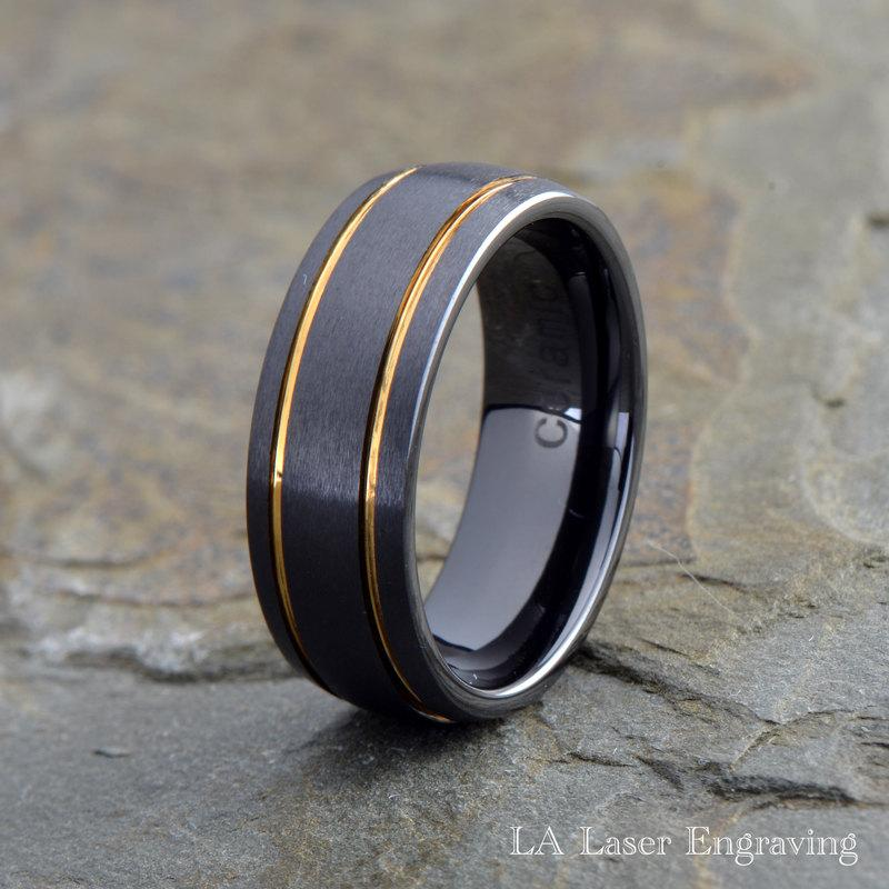 Mariage - Mens Ceramic Wedding Band,Black Brushed Grooved Yellow Gold Plated lines His Ceramic Rings Anniversary Ceramic Bands Custom Engraving rings