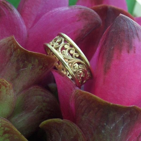 Mariage - Wedding Band, Carved Gold Band, Mahawan Ring in 18k Gold, Original Heart of Water Jewels Design (Made to Order)