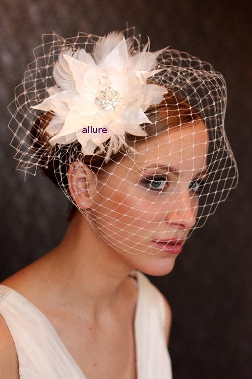 Свадьба - Wedding BIRDCAGE VEIL, Bridal veil, feather flower, ivory  feather fascinator, bridal headpiece, wedding hair flower, crystal brooch.