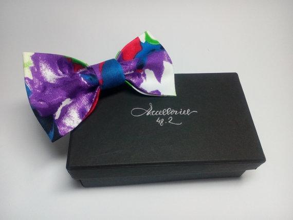 Wedding - Men's bow tie Violet floral bowtie Wedding tie Violet comhionannas vótaí Bow Floral Violet noeud papillon avec des fleurs Violeta pajarita