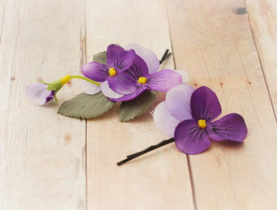 Свадьба - Purple flower clips, hair pins, floral bobby pins, woodland hair pins, wedding accessories - Pansy