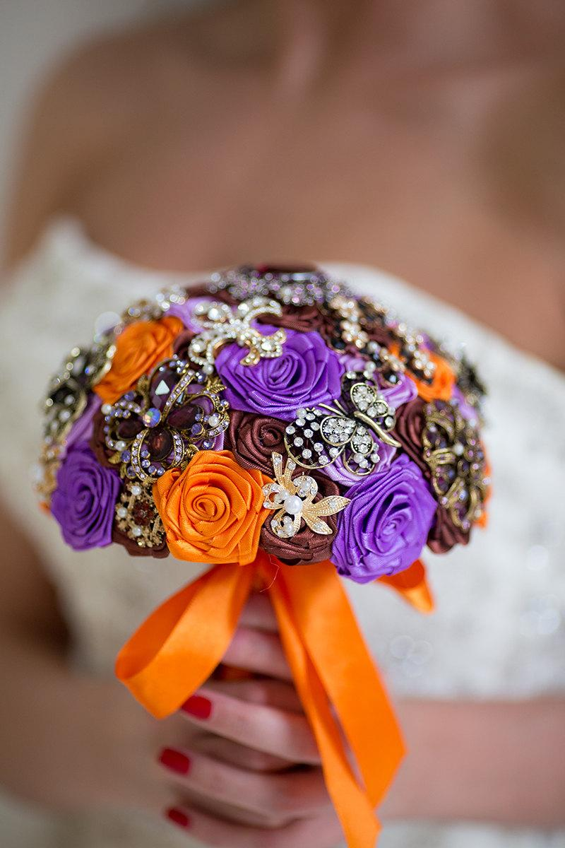 Mariage - Antique Gold Wedding Brooch Bouquet, Brooch Bouquet, Orange Purple Brown Brooch Bouquet, Antique Wedding Bouquet , Bouquet with Brooches
