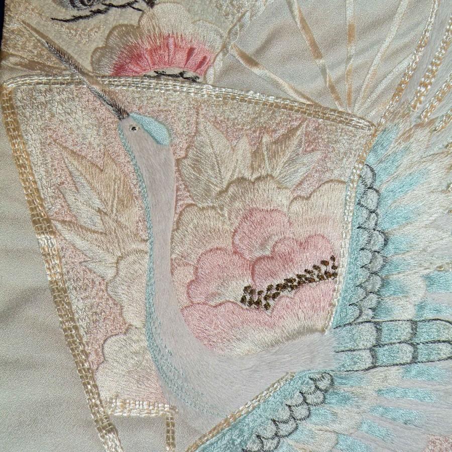 Свадьба - Silk Kimono Fabric Bag/Purse/Clutch..Bridal Wedding Gift..Embroidered Flying Crane..Chrysanthemum..Stunning OOAK Vintage