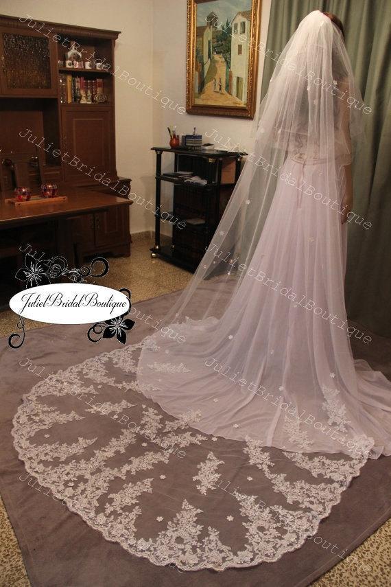 Свадьба - Alencon Lace Veil,lace bridal veil,Ivory lace veil,Cathedral Veil,Wedding Veil Cathedral,White Cathedral Veil,Ivory Cathedral Veil,Veil Comb