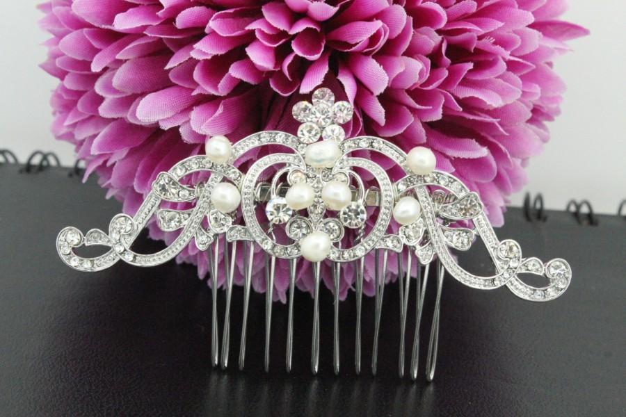 Mariage - Wedding hair piece Pearl bridal hair comb Wedding hair comb Bridal hair accessories Wedding hair jewelry Bridal comb Wedding headpiece pearl