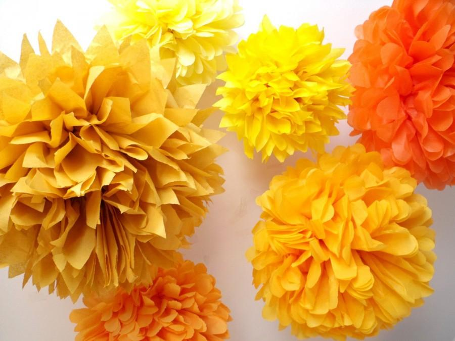 Wedding - Party Decorations  ... 7 Poms // wedding decor // outdoor autumn fall // halloween // baby bridal shower // tissue paper flowers