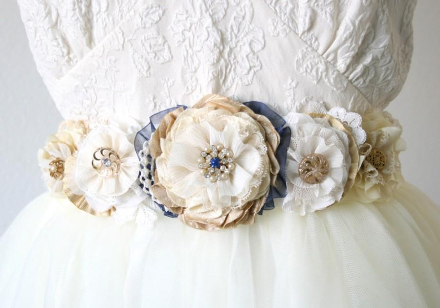 Mariage - Custom Wedding Belts and Sashes, Bridal Sash, Made to Order Floral Sash in your Colors and Style, Unique Bridal Sash, Fabric Flower Belt