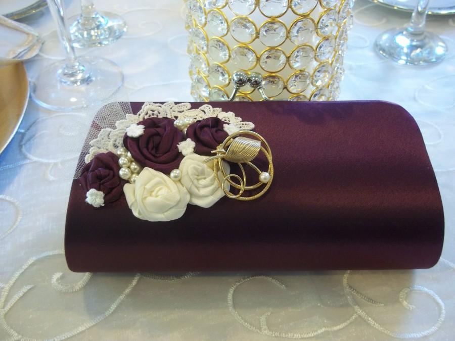 Свадьба - Merlot Bridal Wedding Clutch - Vintage Wedding, Wine Country Wedding, OOAK Brooch Clutch - A Bijoux Bridal Chicago Signature Design
