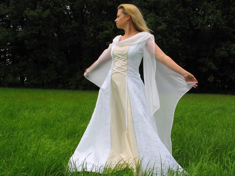 Свадьба - Wedding gown history - medieval wedding dress