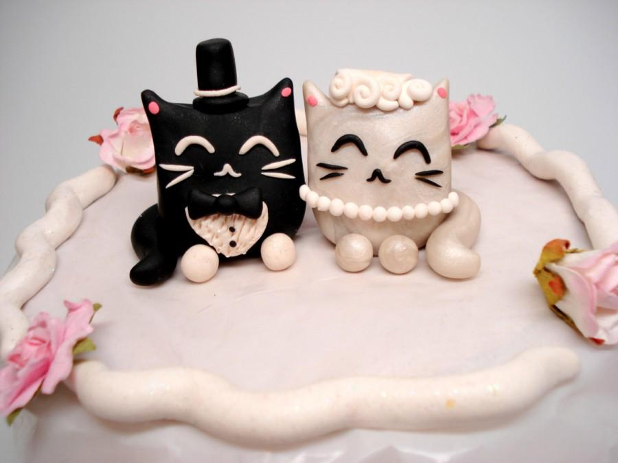 Hochzeit - Kitty Cake Topper Cat Wedding Cake Toppers Black and White Wedding Decor Bride and Groom Cat Cake Toppers