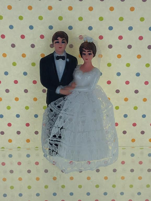 Hochzeit - Vintage Retro Bride & Groom Cake Topper / Traditional Wedding couple from 1960's / Bride Lace Dress Style