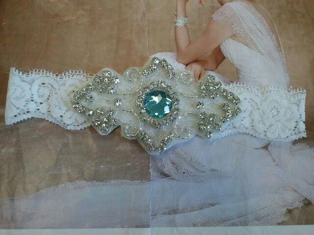 Свадьба - Wedding Toss Garter - Something Blue - Aquamarine Crystal Rhinestone on a White Lace  - Style TG705