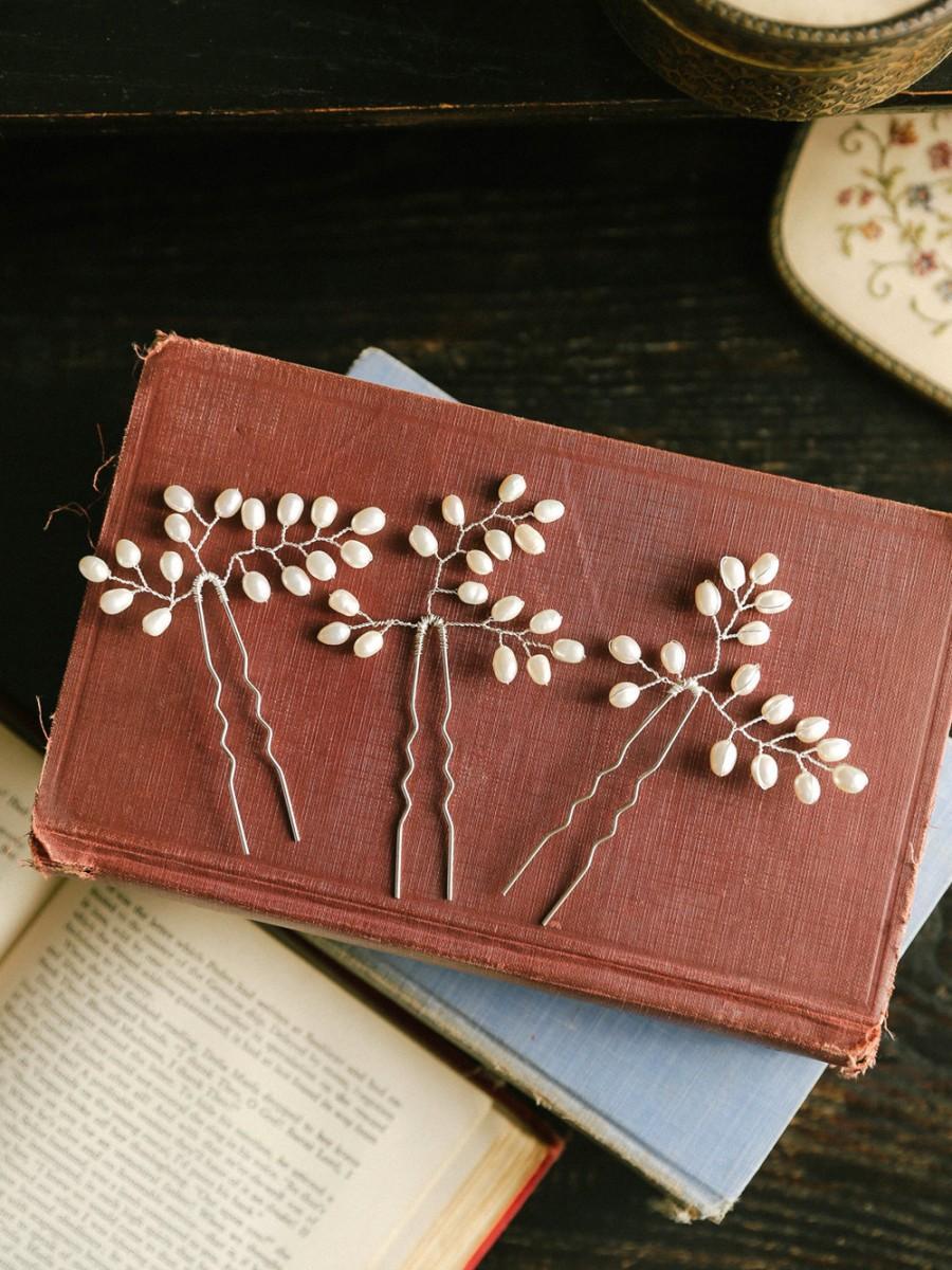 Свадьба - Pearl wedding hair pins, bridal pearl hair combs, wedding hair accessory, hair jewlery, bridal gift - style 136
