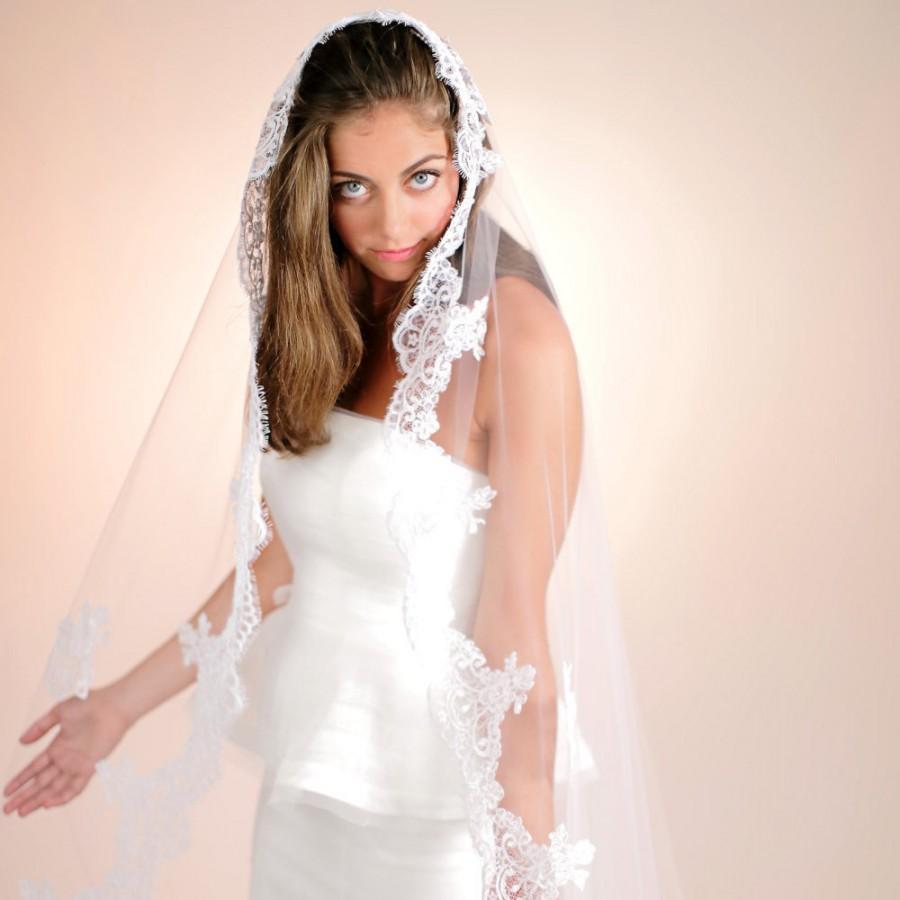 Hochzeit - Bridal Mantilla Veil, Wedding Headpiece, Bridal Veil, Formal Wedding Lace Edged Veil, Cathedral Style Lace Veil,  Style No. 4136