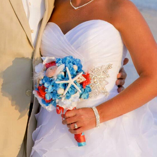 Свадьба - Beach Wedding Bouquet-Starfish Seashell Bridal Bouquet Accessory- Boutonniere- Made To Order
