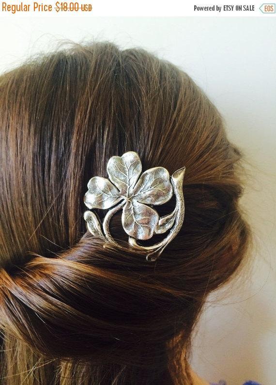 Mariage - ON SALE Silver Irish Shamrock Hair Pin Bridal Hair Irish Clover Hair Clip Leaf Bobby pin Wedding Hair Accessory Silver Bobby Pin Boho Irish