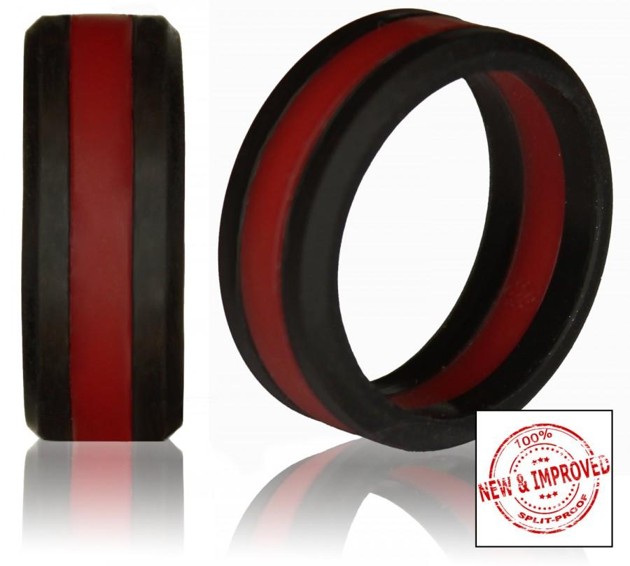 Свадьба - Silicone Wedding Ring by Knot Theory - Safe & Lightweight Wedding Band (Black with Dark Red Stripe)