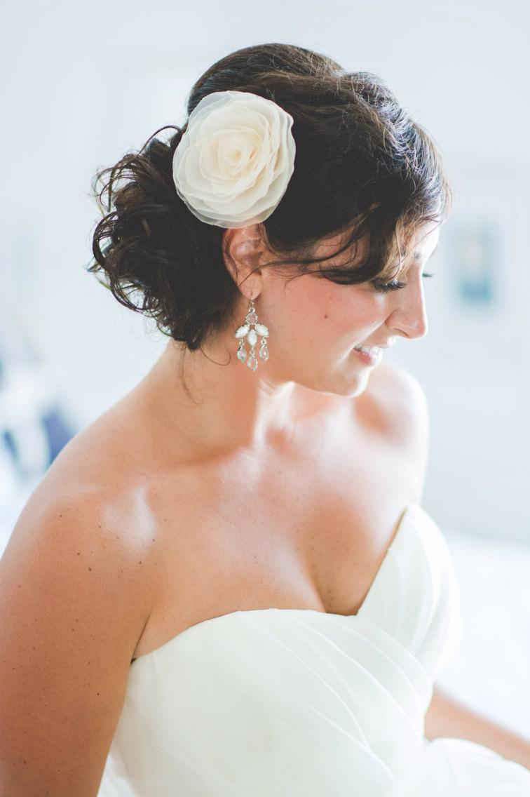 Mariage - VANILLA IVORY Wedding Hair Flower, Vanilla Ivory Bridal Hair Flower, Ivory Bridal Accessory, Ivory Flower Girl Hair Accessory, Style 20151