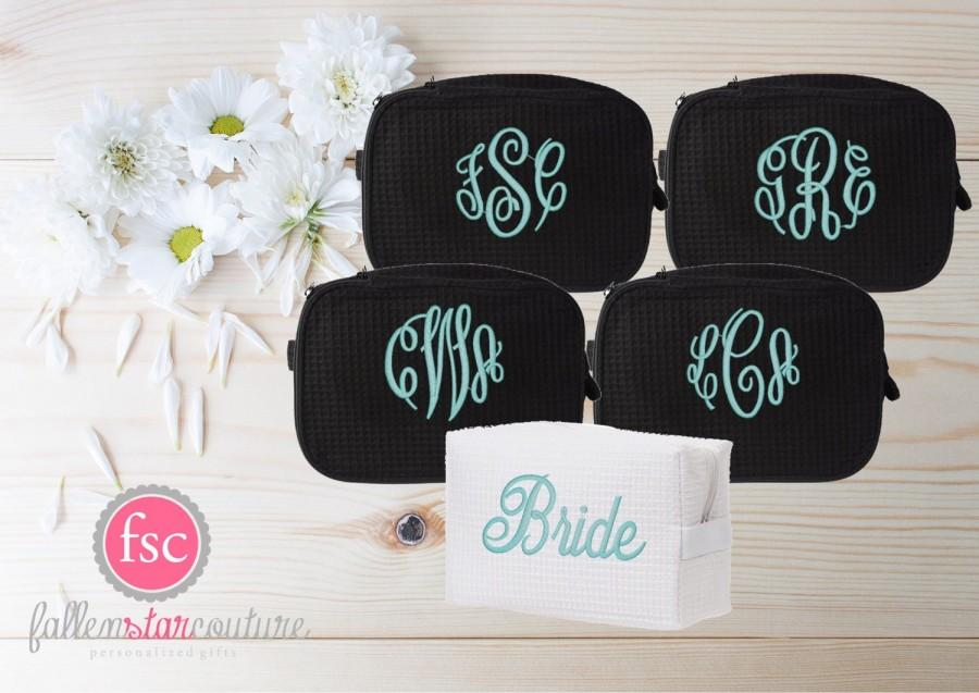Mariage - Set of 5 bridesmaid makeup bags , bridesmaid accesory bags, monogrammed bag, wedding bag , bridesmaid gifts , personalized bridesmaid gifts