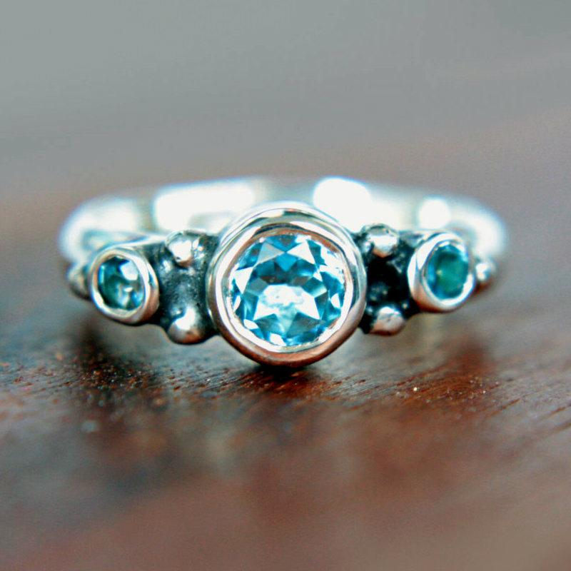 Mariage - Topaz Engagement Ring Triple Swiss Blue Topaz Ring Triple Topaz Ring Sterling Silver Promise Ring December Birthstone Size 7