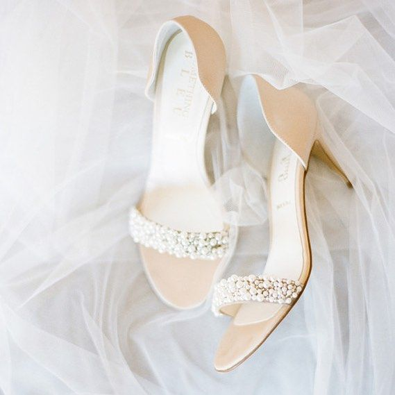 "Hochzeit - BHLDN Weddings On Instagram: ""#BHLDNtakeover Day 6: "" If Every Pair Of  Were This Lovely. Le Sigh. Don't They Look Like They Came From A Dream?"" - Xo,…"""