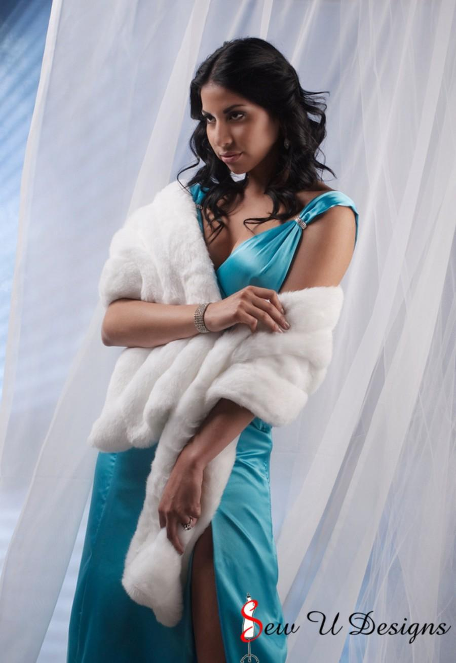 Boda - Winter Bride Faux Fur Stole shawl wrap 4 grooved rows wide Available in winter white, ivory, cream or black