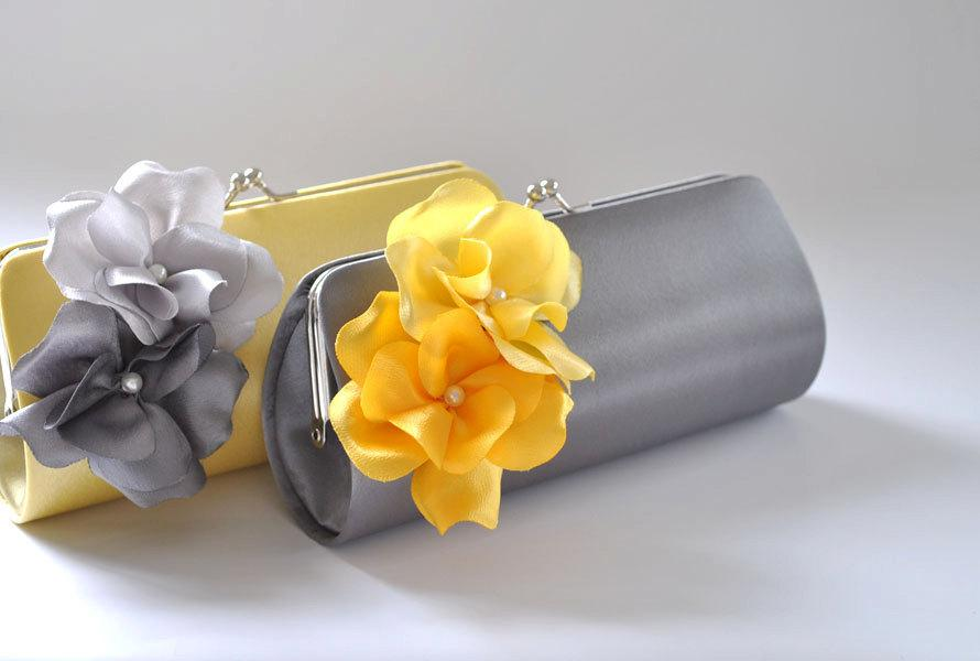 Hochzeit - Set of 2 Small Bridesmaids clutches/Wedding clutches / Prom clutch - CUSTOM COLOR