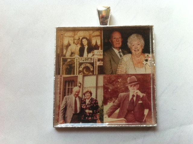 Mariage - Custom Personalized Photo 35mm square pendant to wear as a necklace or  Wedding Bouquet Charm