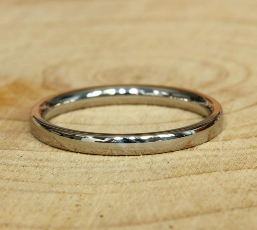 Mariage - 2mm Wide Comfort Fit / Court Shape Titanium Plain band Wedding Ring