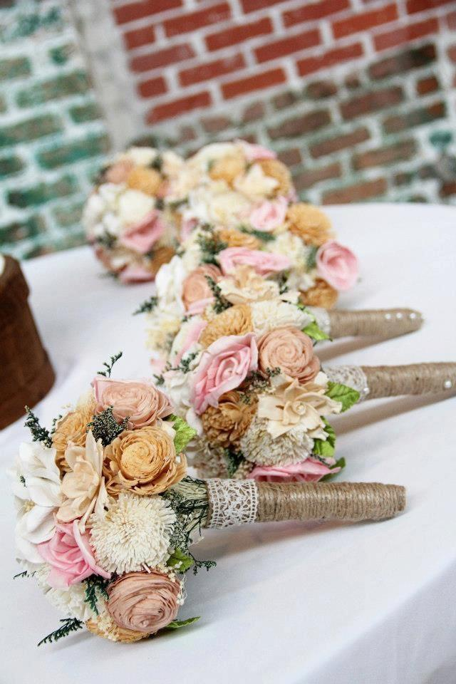Mariage - Romantic Wedding Bouquet -Small Alternative Natural Sola Flower Bridal Bridesmaid Bouquet, Keepsake Wood Bouquet, Shabby Chic Rustic Wedding