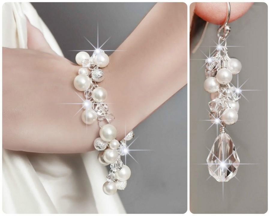Mariage - Bridal Jewelry SET, Bridal Pearl Jewelry SET, Ivory Pearl Jewelry Set, Bridal Cluster Bracelet and Teardrop Earrings