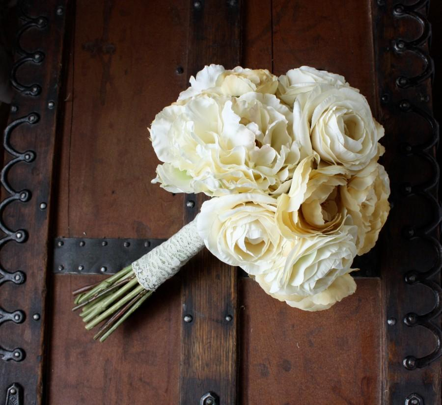 Wedding - Cream Peony Ranunculus Silk Bouquet in Ivory, Cream, Champagne, Cottage Chic Style, Romantic, Edwardian, Victorian, Shabby Vintage, Winter