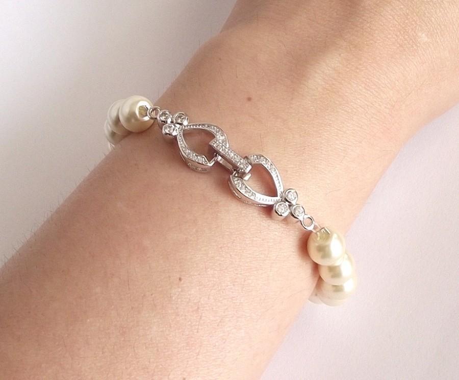 Hochzeit - Elegant bridal, bridesmaid, mother of the bride.. wedding bracelet