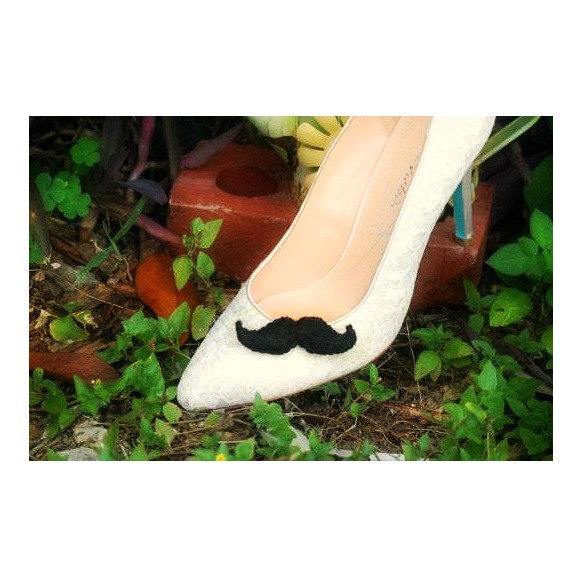 Hochzeit - Black Mustache Shoe Clips Embellishment. Sir Mr Felt Curled Mustachio Stache Theme, Steampunk Wardrobe, Movember Fashionista Girly Girl Gift