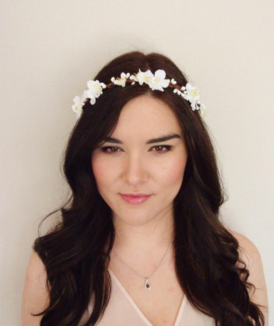 White cream blossom woodland pip berry vine flower crown floral white cream blossom woodland pip berry vine flower crown floral headband floral crown festival wedding bridal bridesmaid flower girl izmirmasajfo